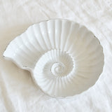 VINTAGE WHITE CERAMIC AMMONITE SHELL DISH