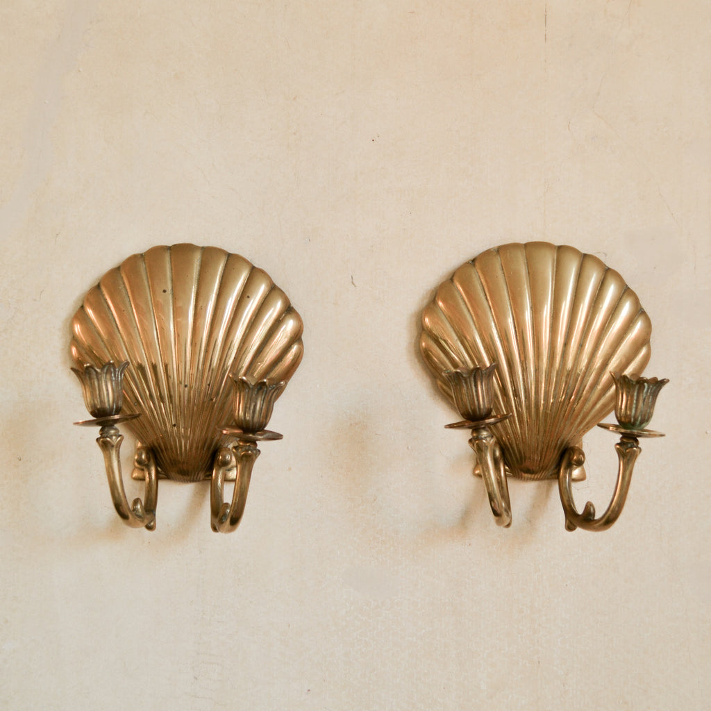VINTAGE PAIR OF SHELL WALL CANDLE SCONCES