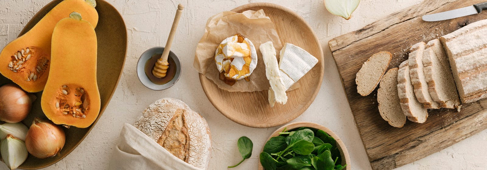 CAMEMBERT CROSTINI (PLANT BASED)