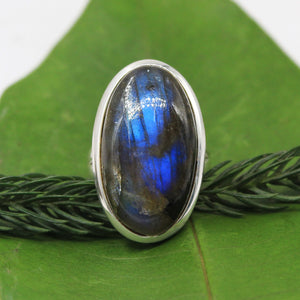 Handmade labradorite Gemstone Ring in 925 Sterling Silver