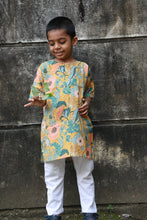 Load image into Gallery viewer, Floral Kurta (Unisex Kurta)