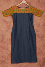 Load image into Gallery viewer, Agaram Kurti (Soft Cotton Denim)
