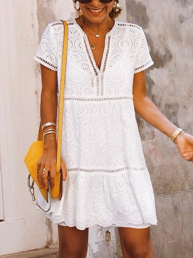 White V Neck Short Sleeve Cotton Shift Dresses