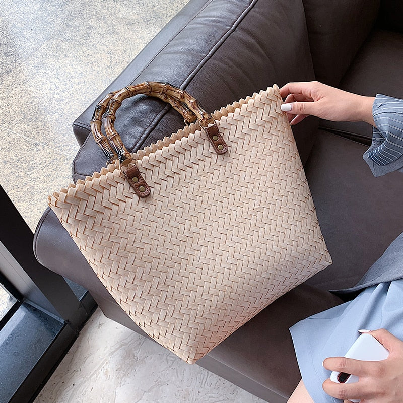 Load image into Gallery viewer, Rattan Love Tote