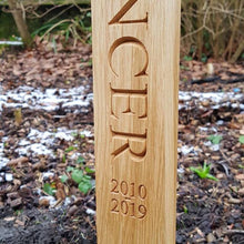 Load image into Gallery viewer, Engraved Oak Memorial Plaque