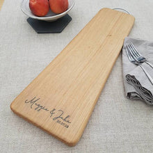 Load image into Gallery viewer, Contemporary Engraved Oak Chopping Board