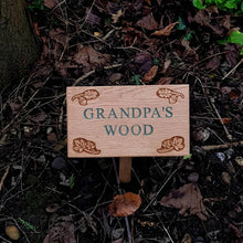 Load image into Gallery viewer, Personalised Engraved Oak Leaf Plaque with Stake