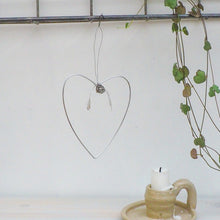 Load image into Gallery viewer, Aluminium Mistletoe Heart Decoration
