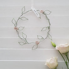 Load image into Gallery viewer, Little Wire Floral Wreath