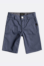 Load image into Gallery viewer, Quiksilver Everyday Light Chino Shorts