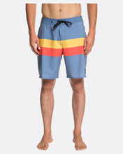 Load image into Gallery viewer, Quiksilver Highline Seasons 18in Boardshorts
