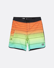 Load image into Gallery viewer, Billabong 73 Strippe Pro Boy Boardshorts