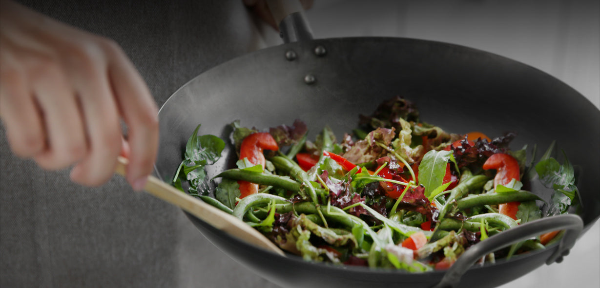 Naturally non-stick carbon steel wok