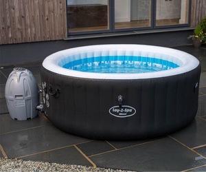 Lay-Z-Spa Miami AirJet 54123 Inflatable Hot Tub Spa by Bestway 3