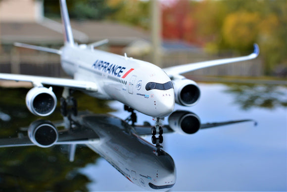 Air France Airbus A350-900 *Premium* -- 1:200 by Herpa - craft747