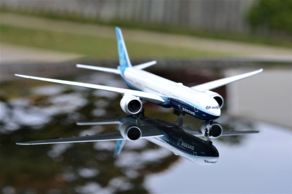 Boeing 777-9 -- 1:500 by Herpa - craft747