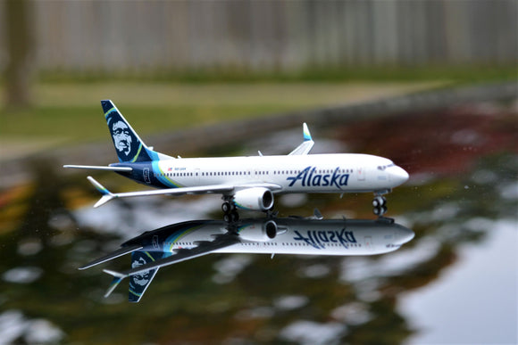 Alaska B737 Max-9 -- 1:400 by Gemini Jets - craft747