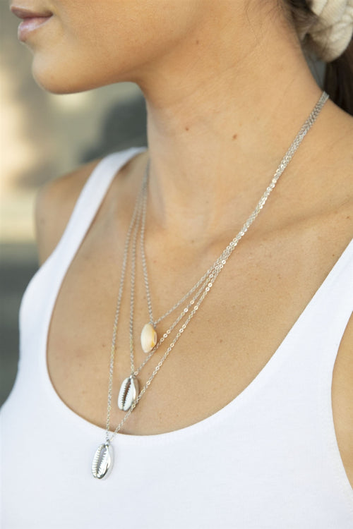 By The Sea Layered Shell Pendant Necklace