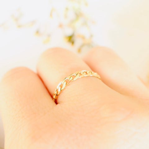 Plum Jewelry solid yellow gold chain ring ELODY