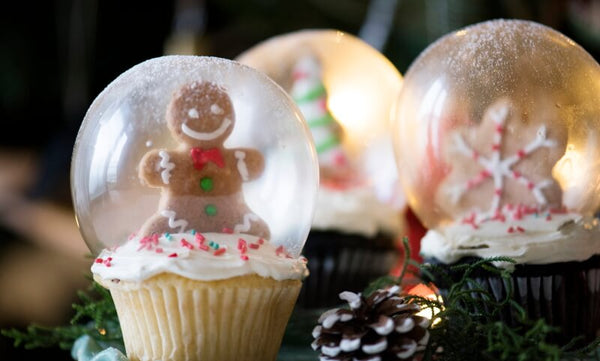 Christmas Eve gingerbread men cakes