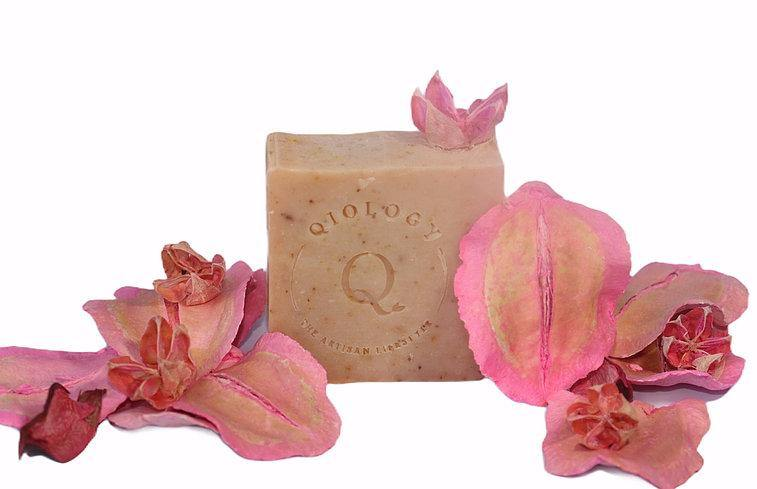 Qiology PINK GRAPEFRUIT CITRUS Soap - FLOWS Grocery (6053750440102)