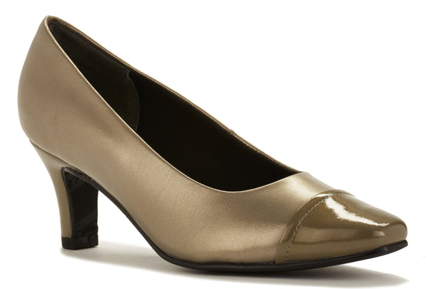 Race: Pewter Leather/Pewter Patent Leather
