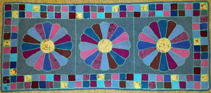 "Dresden Plate Runner Pattern on linen, 19.5""x44"""