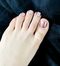 luxury-press-on-nails-rosegold-pedicure