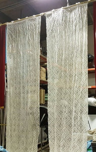 Set of 2 curtain wings in lace-effect veil
