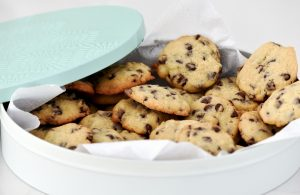 choc_chip_cookies_in_biscuit_tin
