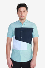 Load image into Gallery viewer, Smart Fit Short Sleeve Casual Placement Block Shirt