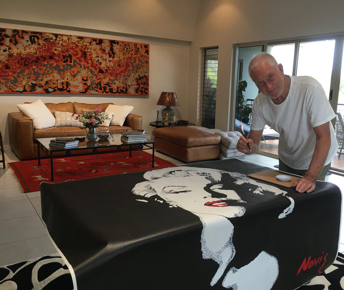 "Hand-finishing ""Marilyn"" Signature Edition print"