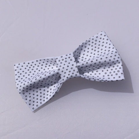 classy spotted dog bow tie