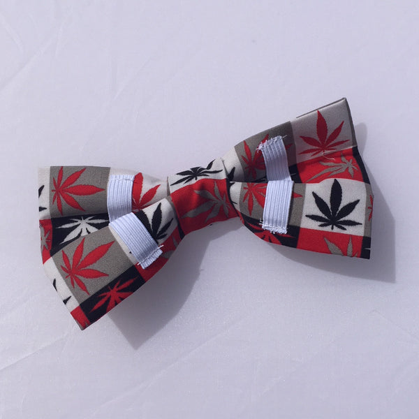 Cannabis leaf bow tie in red black beige and white