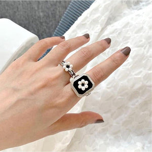 Black Vintage Pearl Rings