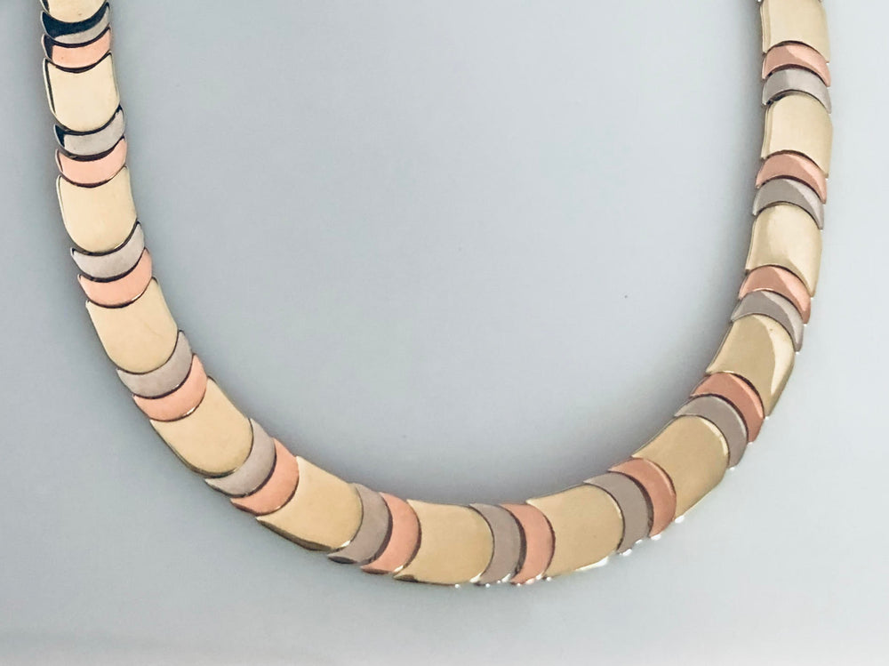 Load image into Gallery viewer, Tri-color choker Necklace