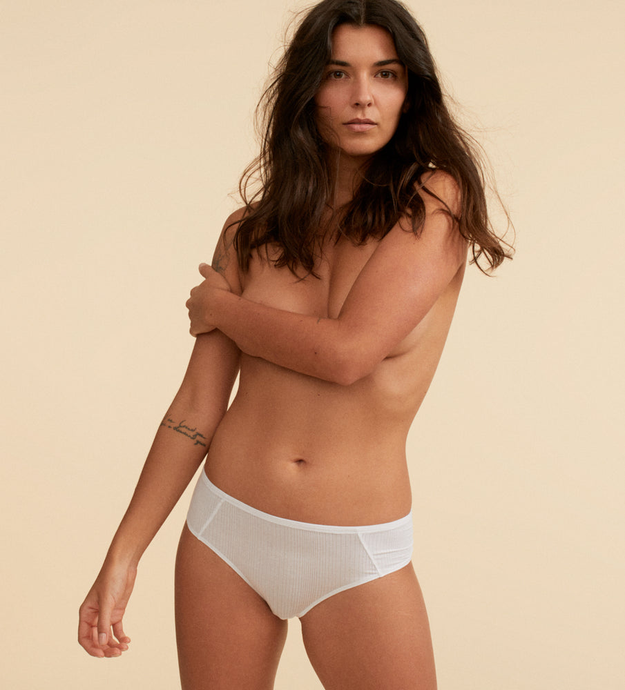 Hipster micromodal blanc sur mannequin taille small