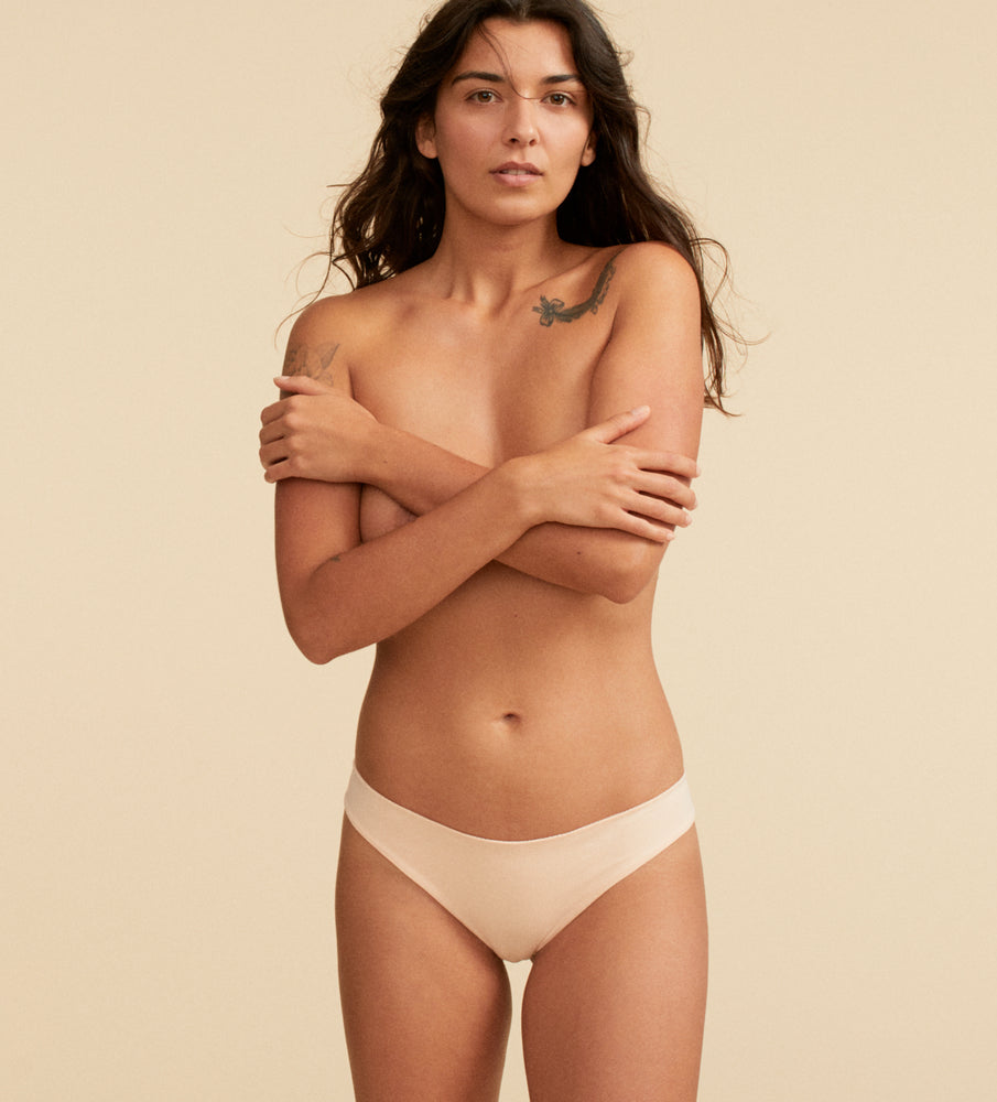 Tanga coton amberlight sur un mannequin taille small