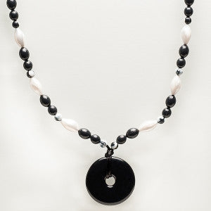 Teething Bling Beaded Donut Pendant - Onyx