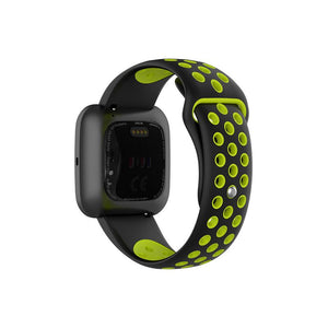 FItbit_Versa_Silicone_Sports_Straps_Black_and_Green_S6FRNV9ZAVYQ.jpg