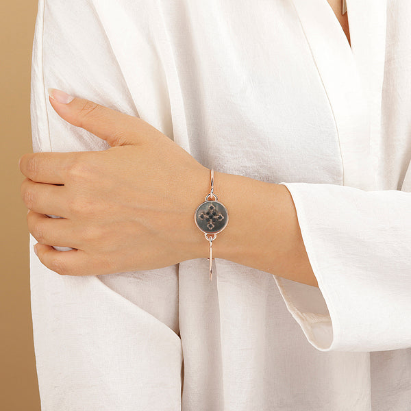 Bangle-with-Mother-of-Pearl-and-Cross_bracelets_blackblack_5