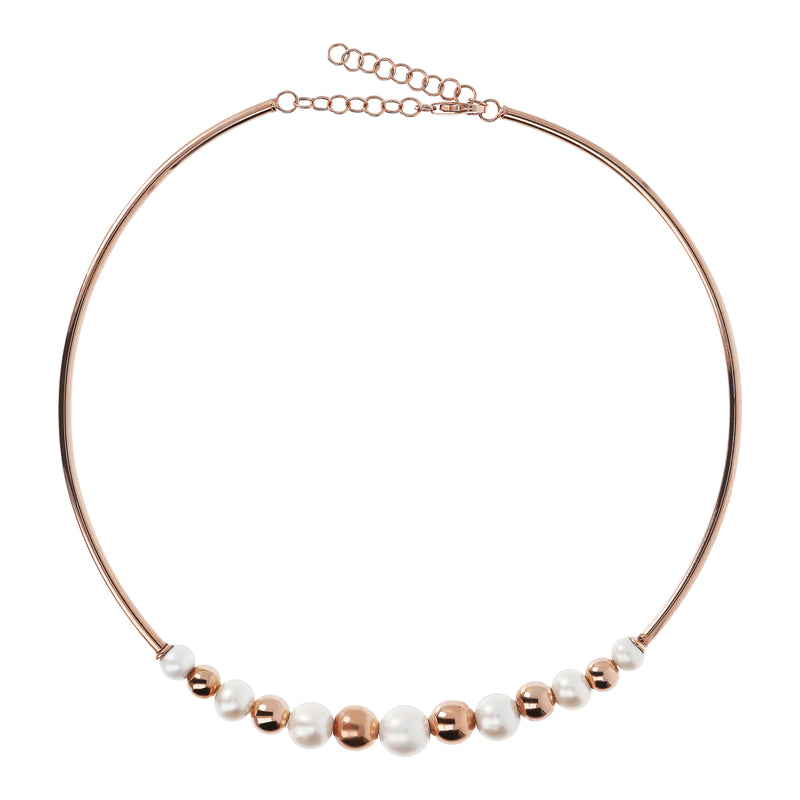 Chocker-Necklace-with-Pearls-and-Golden-Rosé-Beads_necklaces_white