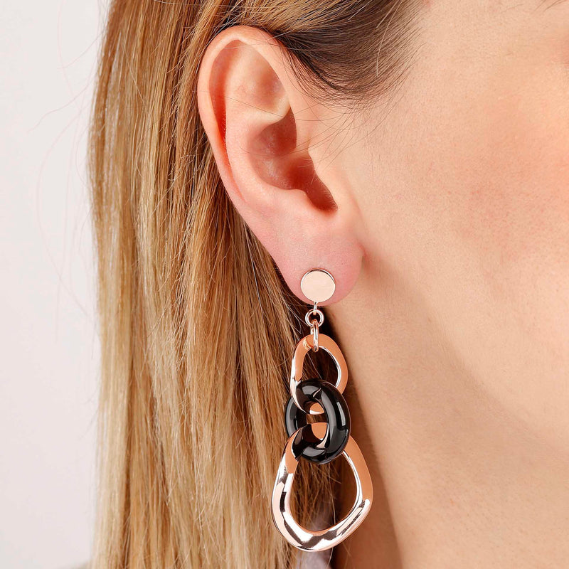 Rose-Gold-Plated-Link-Earrings_earrings_black_5