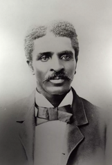 George Washington Carver as a student of Iowa State College. Special Collections and University Archives / Iowa State University Library / public domain.