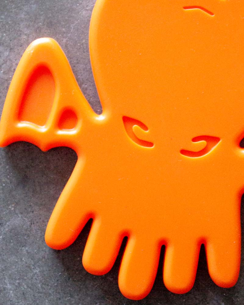 Helles Teeth Cthulhu Teether - Nuclear Orange