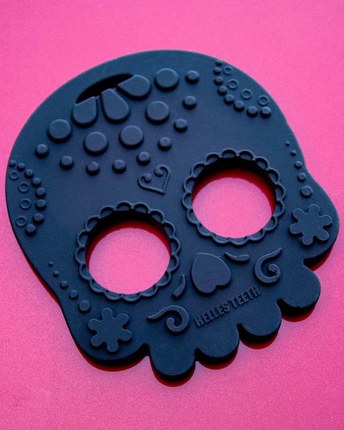 Helles Teeth Sugar Skull Teether - Black
