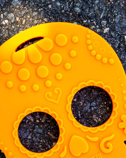 Helles Teeth Sugar Skull Teether - Orange