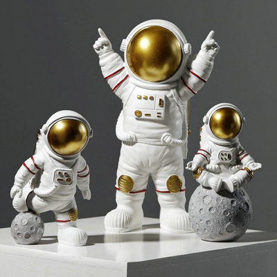 HomeQuill™ Luna Spaceman Figurines