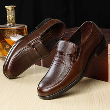 Indlæs billede til gallerivisning Mazefeng Brand Men Leather Formal Business Shoes Male Office Work Flat Shoes Oxford Breathable Party Wedding Anniversary Shoes