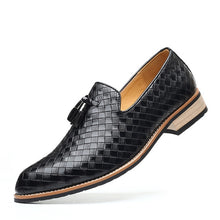 Load image into Gallery viewer, Men British Formal Dress Shoes for Male Coiffeur Tassel Formal Loafers Classic Wedding Party Footwear Slip On Plus Size 39-48